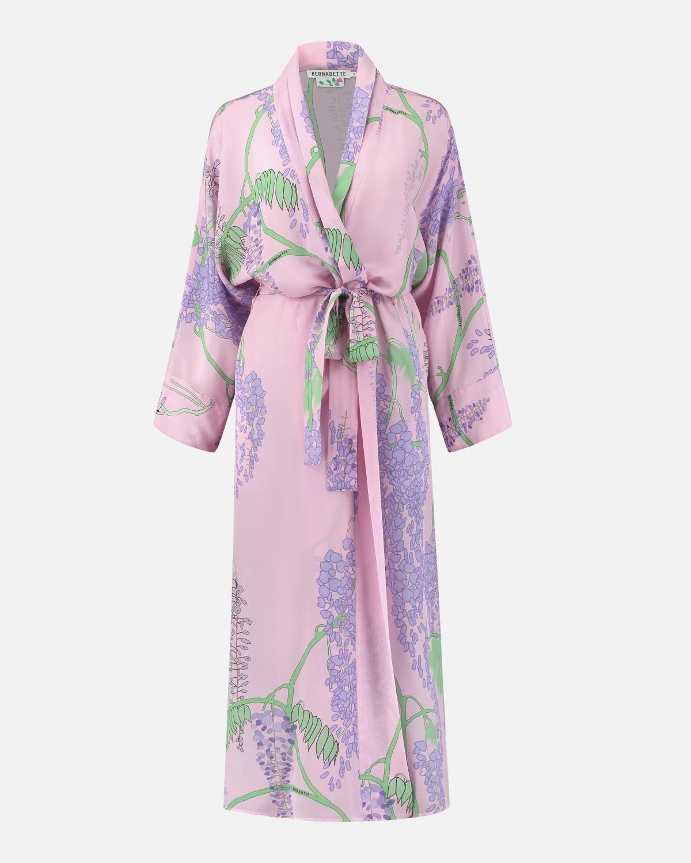 mannequin foto van roze kimono